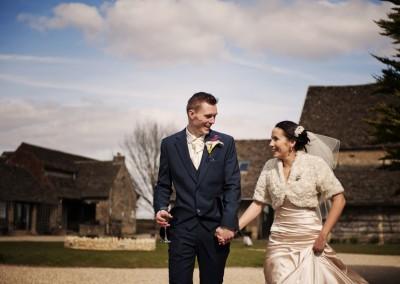 Carlie & Simon – Great Tythe Barn, Tetbury
